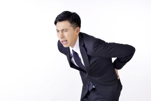つらい腰痛にお悩みのあなたへ!3つの予防法で腰痛を解決~食通信2015年11月号vol.1~