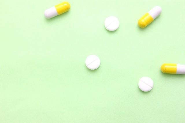 喘息の治療にテオドール錠が役立つケースとは?副作用・飲み合わせも解説