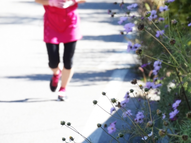 【ランナー必見】マラソンランナーと湿布薬とのつきあい方