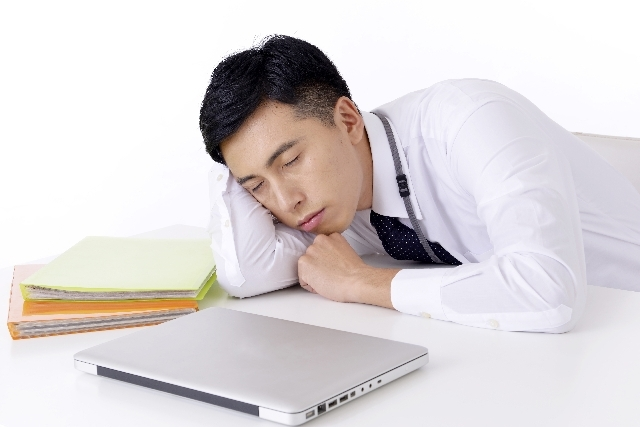 薬で眠たくなるのは嫌!なあなたへ。眠気の副作用がない市販の風邪薬の選び方