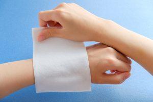 【急な痛みに】市販で購入できる湿布薬の一覧とかぶれなどの注意点を解説