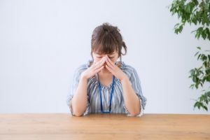 【抗不安薬】ホリゾンは仕事中にも服用できる?注意すべき副作用について解説