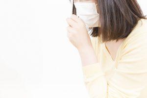 咳止めシロップは子どもが飲んでも安心?咳止め成分の効果や注意点を解説
