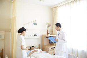 突発性難聴で入院も?その可能性と治療期間・費用はどのくらい?
