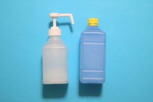 【新型コロナ消毒】エタノールとアルコールは違うの? 次亜塩素酸水の有効性に対する政府側の中間結果報告